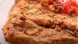 Receta de pescado frito crujiente con batido chileno